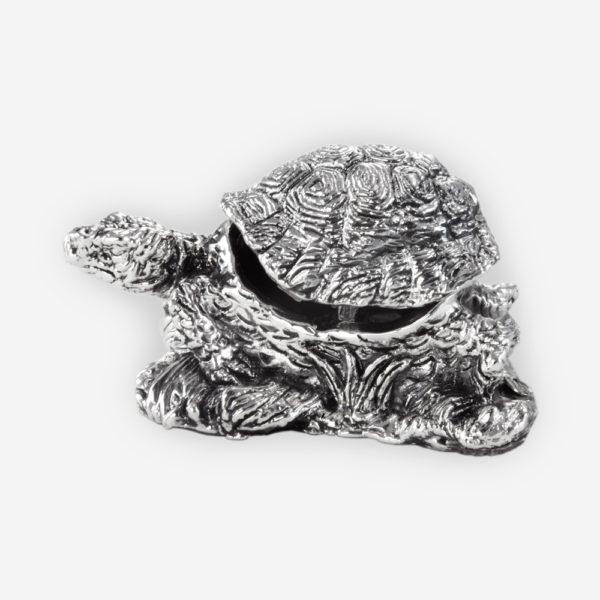 Joyero de Plata con la figura de una Tortuga, hecho mediante proceso de electroformado.