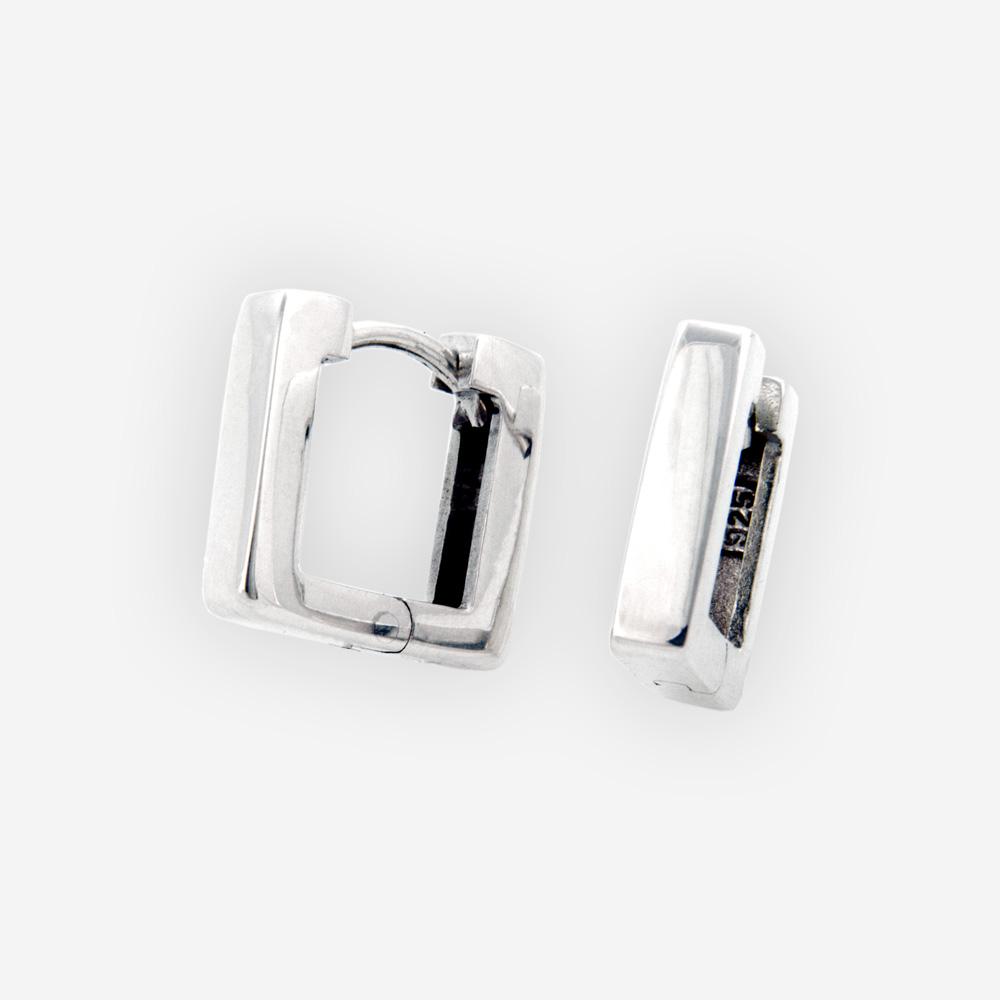 Los aretes de plata cuadrados medios se hacen a mano de plata fina .925 con un cierre huggie.