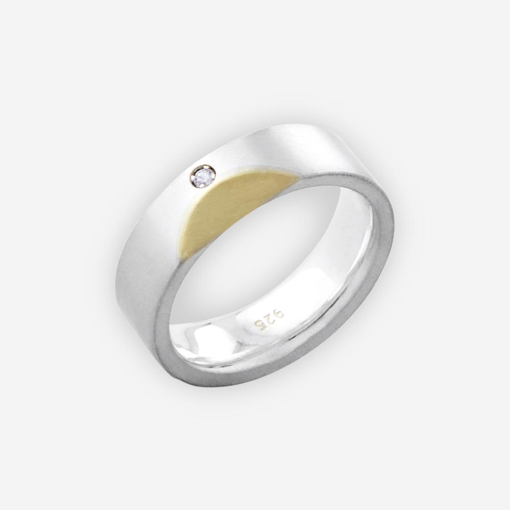 El anillo unisex moderna de dos tonos se hace a mano de plata fina 925 y de oro de 14k fijados con la pequeña piedra de zirconia cúbica.