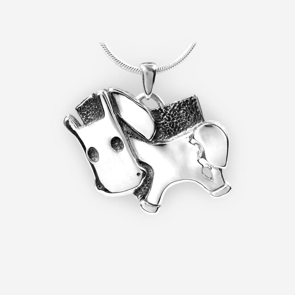 Pendiente de caballo del horóscopo oriental elaborado en plata fina .925.