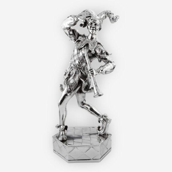 Escultura en Plata de un Bufón divertido , elaborado con técnicas de electroformado, con una capa de Plata .999