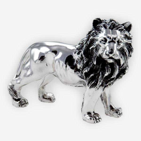 Escultura de leon regio hecha a mano con técnica de electroformado con plata pulida