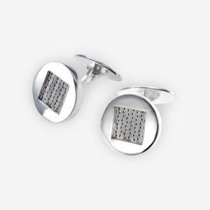Mancuernillas con forma redonda, hechos en plata .925, de nuestra famosa colección de plata tejida a mano.