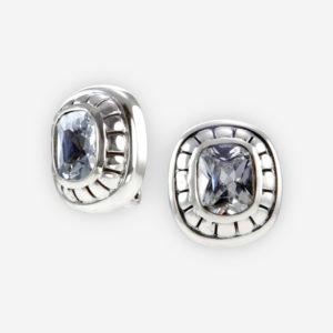 Aretes de plata clip se hacen a mano de plata .925, se establecen con púrpura cúbicas zirconia y tienen clip-en los respaldos.