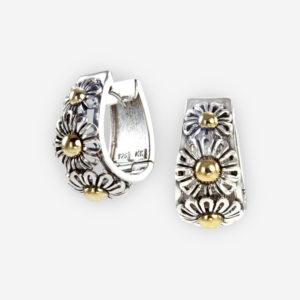 Aretes de plata .925, con 3 flores de margaritas  y con centros de oro fino 14kt.