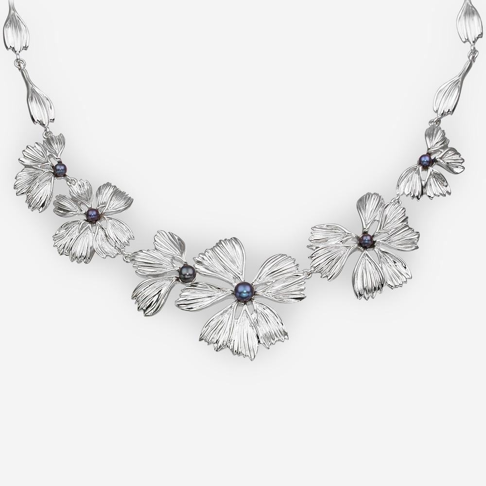Collar de plata hecho a mano de la plata fina .925 y sistema con las perlas de agua dulce negras.