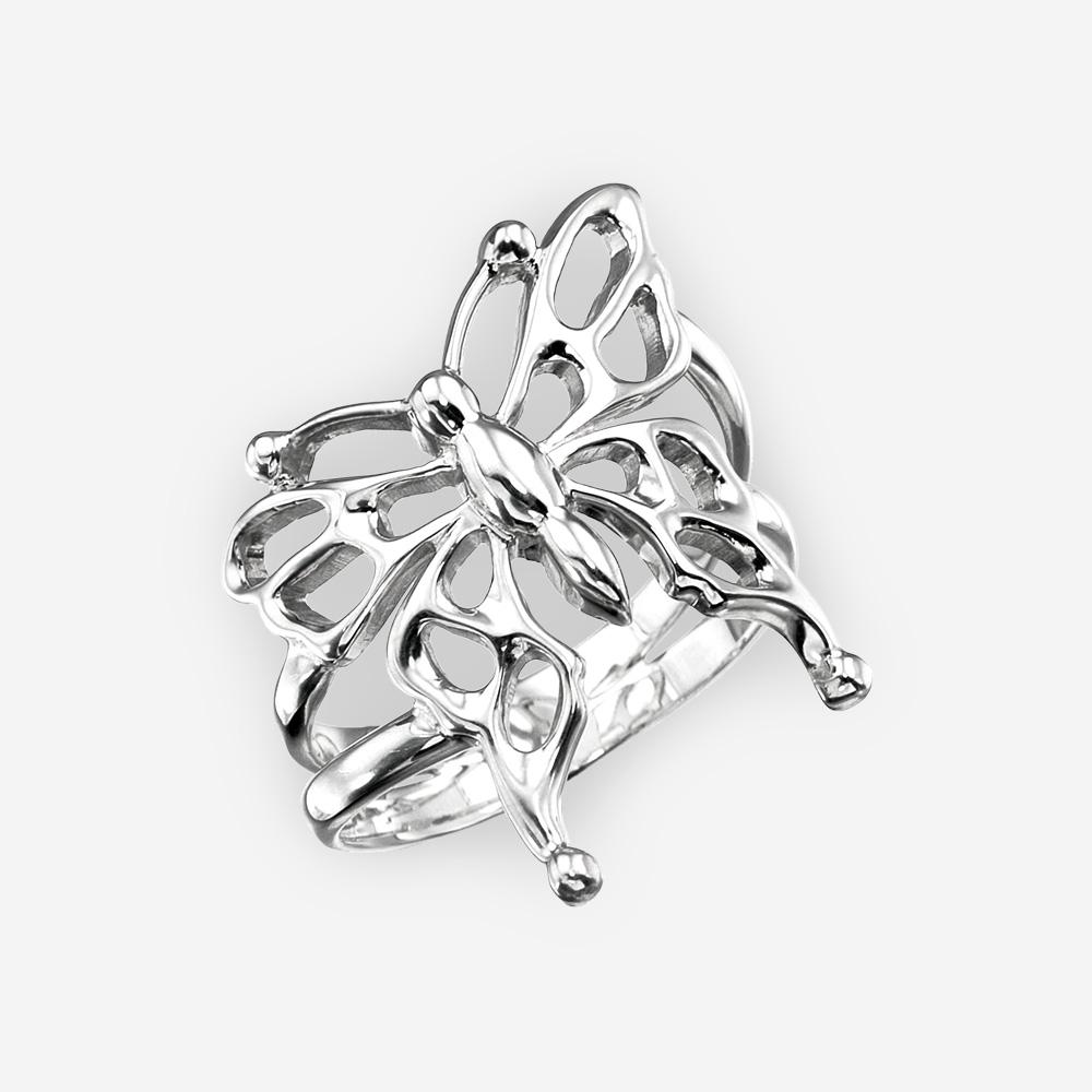Anillo de mariposa de plata con un diseño enrejado con un alto acabado pulido.