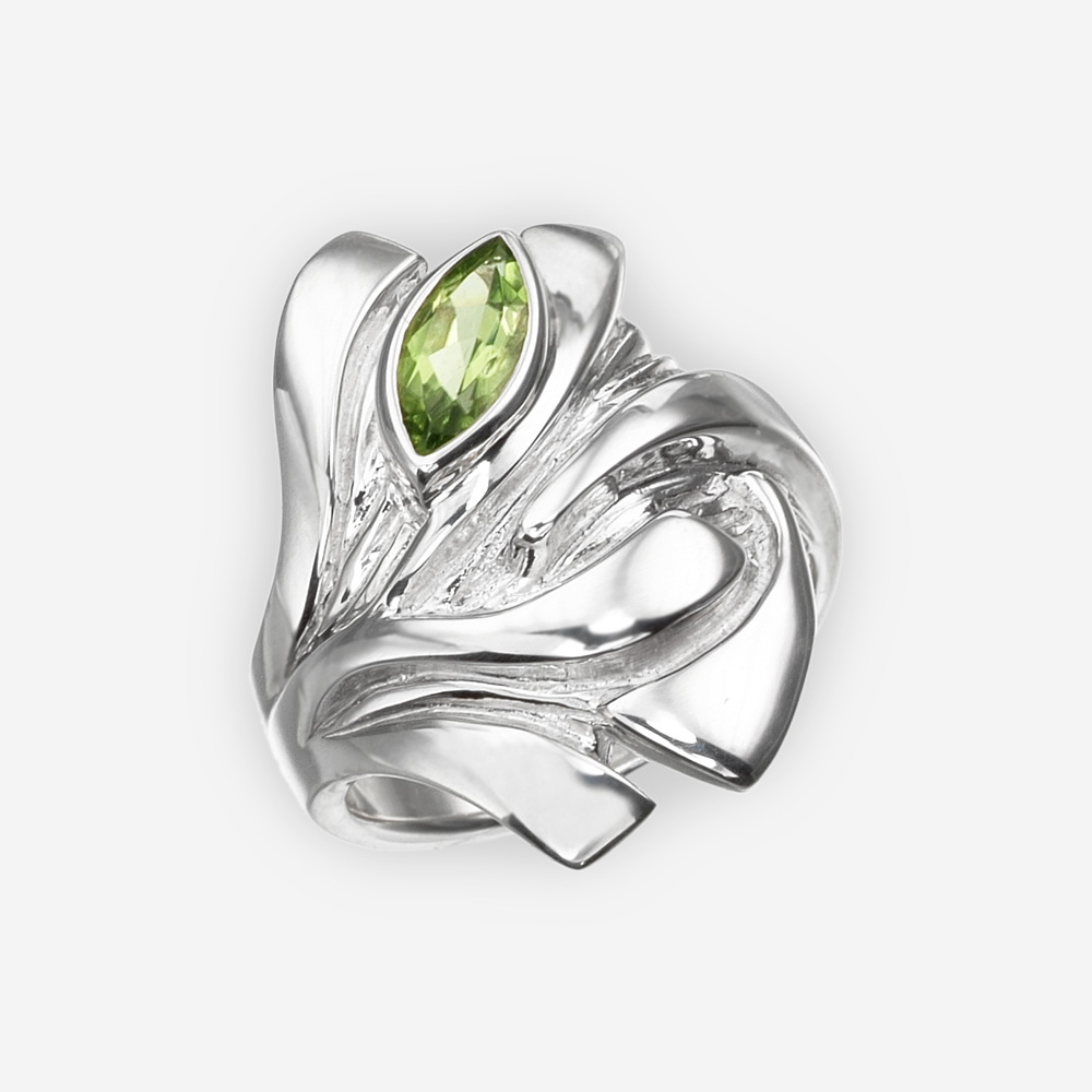 Sterling silver dragon eye ring set with a peridot gemstone